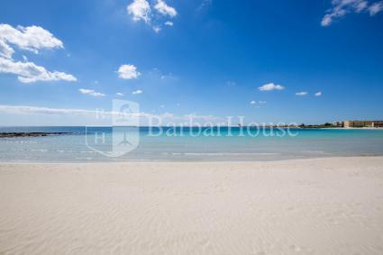 Una delle bellissime spiagge della località tra le mete più amate del Salento