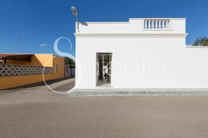 The front of the small villa for vacations in Salento