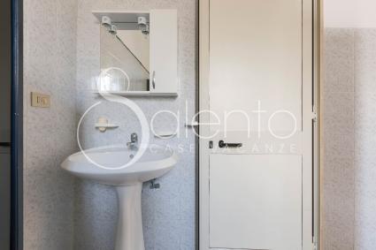 Il bagno di servizio si trova nella zona esterna