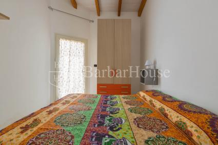 La seconda camera matrimoniale della casa vacanze, semplice ed essenziale