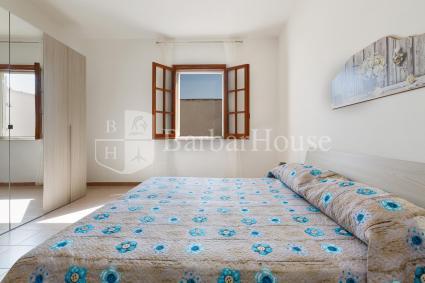 La camera da letto matrimoniale della casa vacanze in affitto
