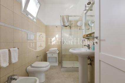 Tutte le camere del bed&breakfast hanno il bagno doccia en suite