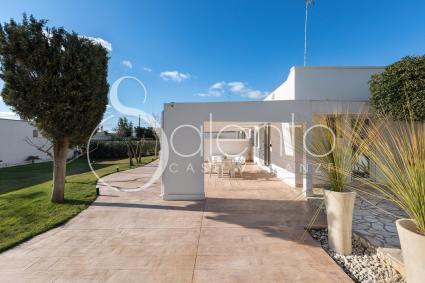 The villa offers indoor parking spaces