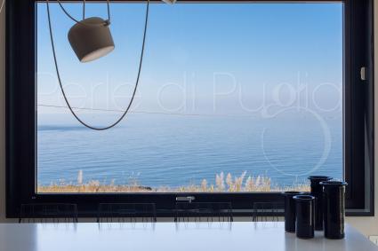 Cucinare con vista sul mare sarà un`esperienza altamente rilassante