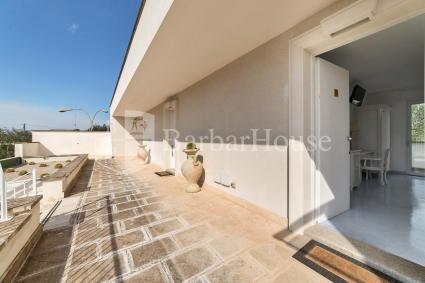 Camera 101 - Vi è una terrazza esterna di pertinenza esclusiva