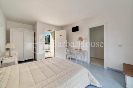 Camera 103 - Vi sono tv, frigo, casetta di sicurezza e zanzariere