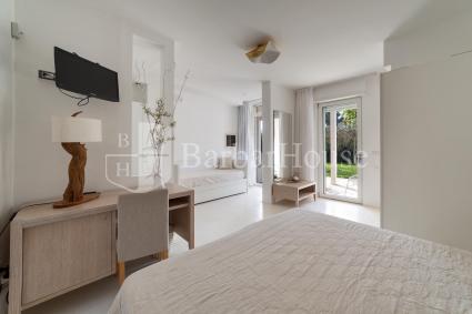 Camera 3 - La camera è dotata di aria condizionata, bagno en suite, internet