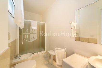 Camera 3 - La camera ha il bagno en suite
