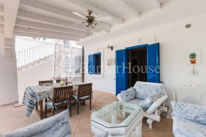 With large outdoor furnished spaces, the villa accommodates up to 8 guests