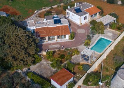 La villa ripresa dal drone